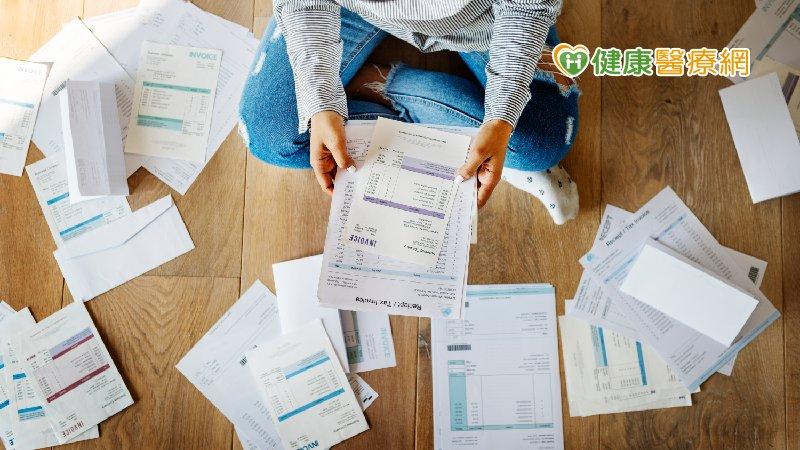 很會賺錢卻欠下鉅額債務 心理師曝背債族5大特質
